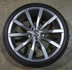 Oem Volkswagen Beetle R Line 20 X 8 Wheel And Continental Tire 5c0601025at