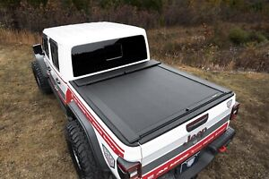 Roll N Lock M Series Retractable Tonneau Cover For 2020 Jeep Gladiator Lg495m