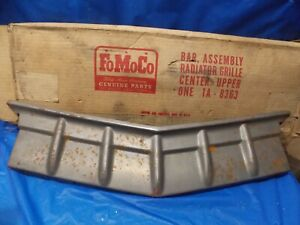 Nos 1951 Ford Center Upper Grill Assembly 1a 8363 Fomoco Flathead Shoebox