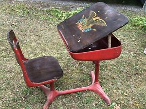 Antique One Piece School Child S Desk With Rare Adjustable Desk Top Swivel Chair