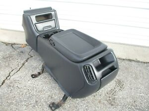 Center Floor Console Silverado Sierra Tahoe 00 01 02 Yukon Suburban Cup Holder