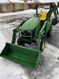 John Deere 1023e Tractor With D120 Front Loader gal109738