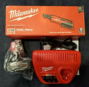Milwaukee 2456 21 M12 1 4 Variable Speed Ratchet Kit With M12 4 0 Battery Bag