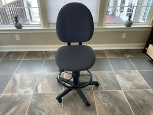 Steelcase 453 Stl Criterion Series High Back Drafting Stool Chair