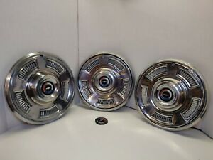 67 1967 Chevy Chevelle 14 Hubcaps Lot Of 3 Hub Caps Great Condition
