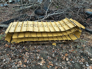 Tracks Chain 44 link 30 wide Pads used In Excellent Condition