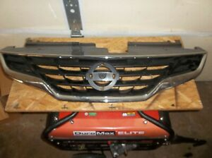 Chrome Grille W Black Insert For 2010 2013 Nissan Altima 2 Door Coupe S Sr