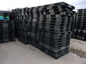 20 43 x43 Double Sided Standard Rackable Plastic Pallets forklift Only
