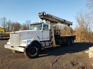 2000 National 880c Mounted On 2000 Western Star 5700