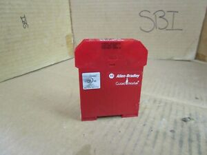 Allen Bradley Safety Relay 440n s32013 440ns32013 24 Vdc ac Series A Used