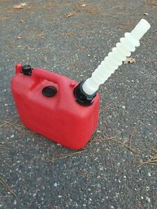 Vintage Old Type Wedco 1 1 4 Gallon Vented Red Poly Gas Can Model W 120