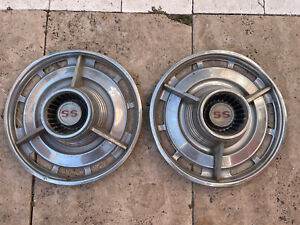 1966 70 Chevrolet Chevy Impala Chevelle Ss Hubcaps Wheel Covers Oem Pair