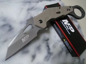 Smith amp; Wesson Mamp;P Extreme Ops Assisted Open Karambit Pocket Knife 8Cr13MoV G10 $31.75