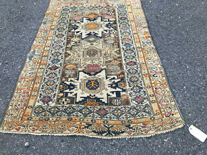 Antique Caucasion Oriental Rug From The Early 1900s Rr4019