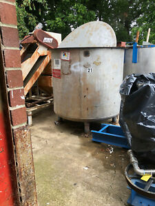 Stainless Steel Tank By Cole Approx 880 Gallons With Mixer motor gear Box Used