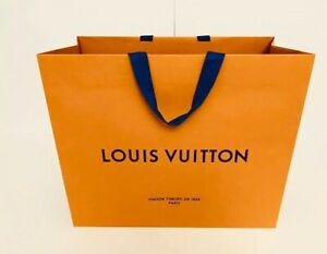 Louis Vuitton Authentic Paper Gift Shopping Bag Size Large 19 X 15 X 5 25 new