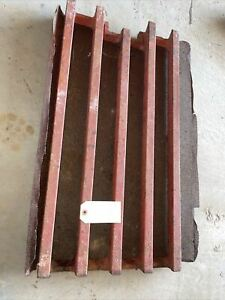 International Farmall 06 Series Tractor Heavy Front Cast Iron Grill 384122r1