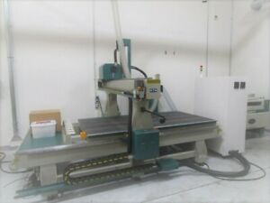 Sf02714 Grizzly 4 X 8 4 Axis Router With Vacuum Table And Linear Tool Changer