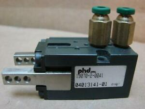 Phd Inc Pneumatic Parallel Gripper 19070 2 0041 Used 21821