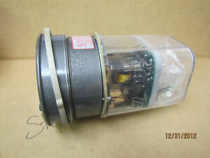 Dwyer Pressure Switch Gauge 3302 1 0 1 0 Inches Of Water 25 Psig 170kpa New