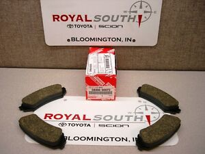 Toyota 98 07 Land Cruiser Rear Brake Pads Set Kit Genuine Oe Oem
