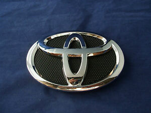 2009 2013 Toyota Corolla Front Grille Emblem Chrome Black Logo Oem Brand New