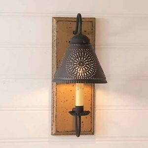 Crestwood Country Farmhouse Wall Sconce With Tin Shade In Pearwood