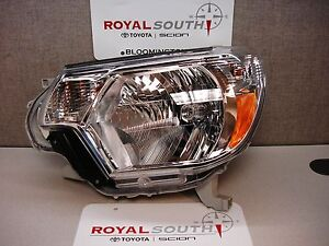 Toyota Tacoma 2012 2015 Left Front Headlight Genuine Oem Oe