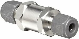 Parker C Series Stainless Steel 316 Check Valve 10 Psi Cracking Pressure 1 2