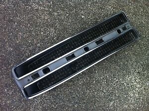 1966 66 Pontiac Parisienne Bonneville Rh Grill Assembly Used Gm