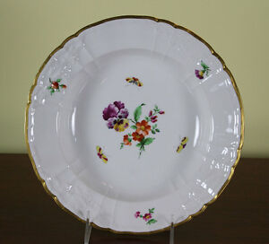 Collectors Cabinet Plate Hand Painted Multi Colored Scattered Flowers