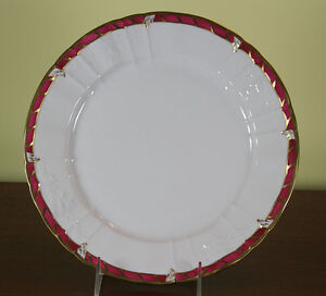 Collectors Cabinet Plate Hand Painted Purple Red Border And Gold Rim