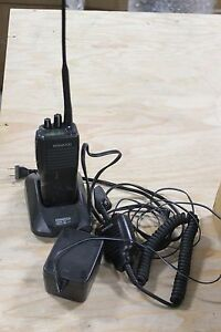 Kenwood Tk290 Tk 290 Vhf Fm Radio With Charger And Microphone