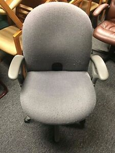 Haworth Accolade Gray Mid back Task Chair With Synchronized Tilt