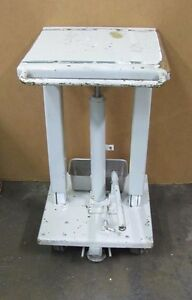 No Name 18 X 18 Lever Handle Operated 30 1 2 47 Hydraulic Die Lift Table
