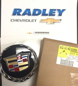 Oem Gm New 07 13 Cadillac Escalade Grille Emblem Platinum Edition 22985035 B111