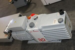 Working Edwards Vacuum Pump 30 E2m30 Rotary Vane Dual Stage