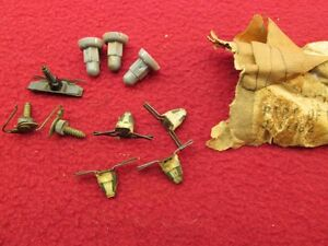 Nos Cadillac Trim Molding Mounting Hardware Clips Gm 3737182