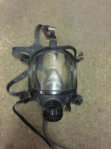 Racal Safety Limited Gas Mask 071 120 01 Survivalist Respiratory Mask Large
