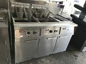 Used Gas Frymaster Fryer Battery With Built in Filtration