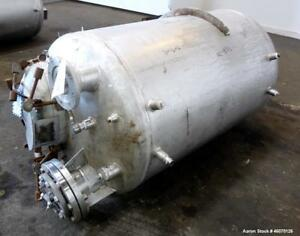 Used Tank 225 Gallon 304 Stainless Steel Vertical Approximate 36 Diameter