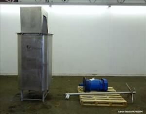 Used Custom Mixing Tank 200 Gallons 304 Stainless Steel Vertical Approximat