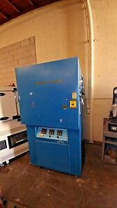 Russel Model Gb 8 106 105 Humidity And Temperature Environmental Chamber