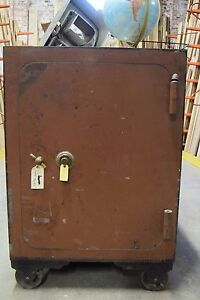 Large Vintage Safe With Wheels 50 X 34 5 X 28