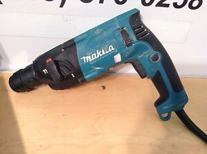 Makita Hr1830f Commercial Rotary Hammer Drill 11 16 Sds Electric Impact Used