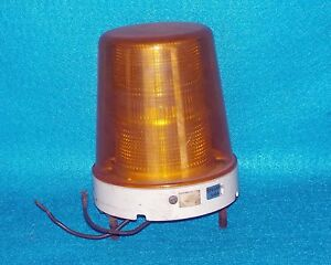 Police Ambulance Emergency Fire Truck Speaker 540 Caution Light 5 1 4 X 6 Used