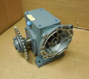Boston Gear F7242gb7g 20 1 Ratio Right Angle Gearbox Speed Reducer 1 77hp Input