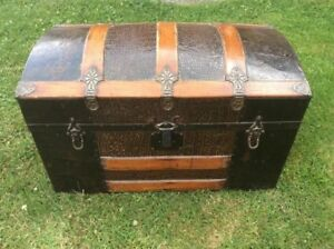 Small Antique Dome Top Steamer Trunk Chest Oak With Faux Alligator Design Tin
