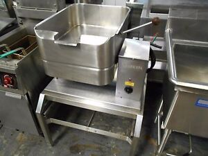 used Groen Td frc 10 Gallon 40 Quart Elec Tilt Skillet Braising Pan