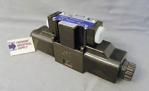 D03 Hydraulic Solenoid Valve 4 Way 3 Position Motor Spool 120 Vac